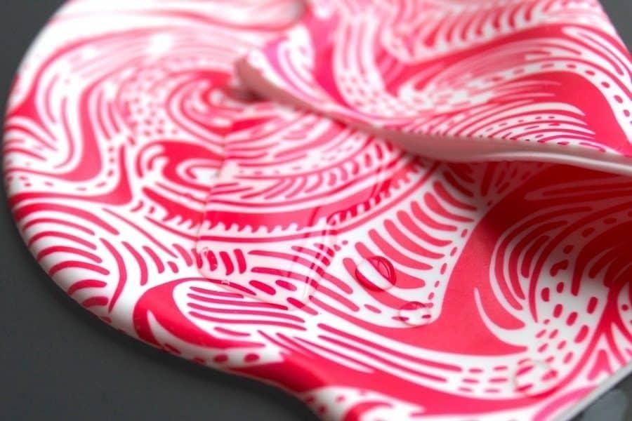 gorras de natacion roja olas
